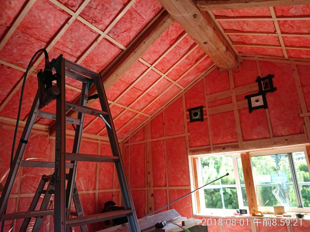 屋根の断熱仕様