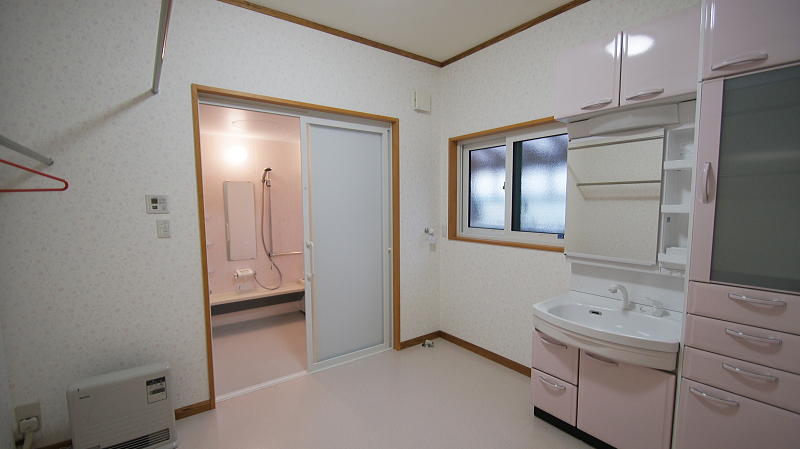 国産材の無垢材で頑丈にできた3世帯住宅